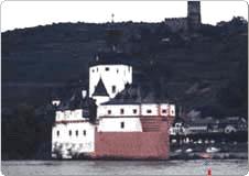 ライン川と古城
